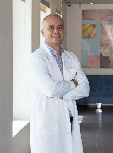 Dr. Nuno Gomes